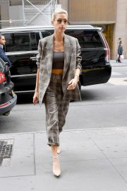 Hailey Baldwin Arrives at a Business Meeting in New York 2018/09/07 6