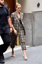 Hailey Baldwin Out and About in New York 2018/09/07 3