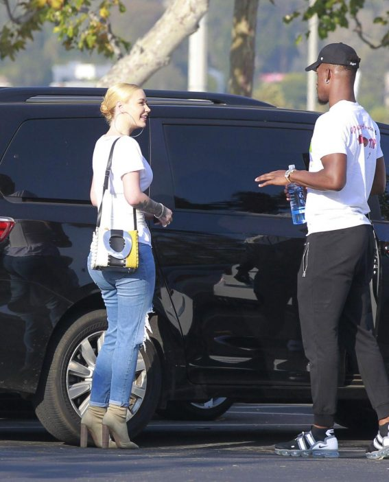 Iggy Azalea and Jimmy Butler Out in Malibu 2018/09/03 1