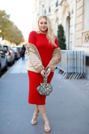 Iskra Lawrence Out in Paris 2018/09/27 9