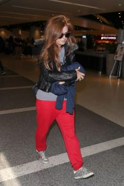 Isla Fisher at Los Angeles International Airport in Los Angeles 2018/09/28 4