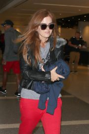 Isla Fisher at Los Angeles International Airport in Los Angeles 2018/09/28 6