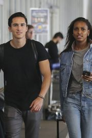 Jasmine Tookes in Double Denim at LAX Airport in Los Angeles 2018/09/24 2