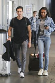 Jasmine Tookes in Double Denim at LAX Airport in Los Angeles 2018/09/24 4