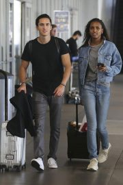 Jasmine Tookes in Double Denim at LAX Airport in Los Angeles 2018/09/24 6