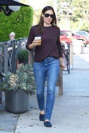 Jennifer Garner Out and About in Brentwood 2018/09/13 2