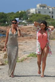 Jessica Wright in Swimsuit Heading to Beach in Ibiza 2018/08/27 6