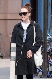 Julianne Moore Heading to a Gym in New York 2018/09/14 7