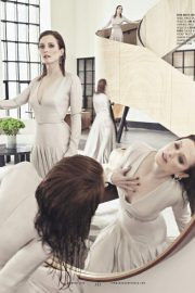 Julianne Moore in Town & Country Magazine, October 2018 1