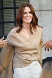 Julianne Moore on the Set of L'Oreal Advertising in New York 2018/09/16 1