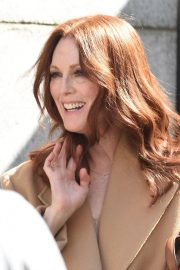 Julianne Moore on the Set of L'Oreal Advertising in New York 2018/09/16 5