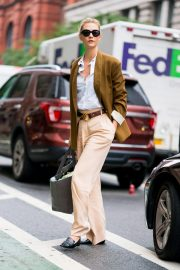 Karlie Kloss Out and About in New York 2018/09/28 6