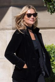 Kate Moss Leaves Her Hotel in Paris 2018/09/26 6