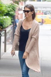 Katie Holmes at a Doctor's Office in New York 2018/08/31 3