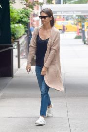 Katie Holmes at a Doctor's Office in New York 2018/08/31 4