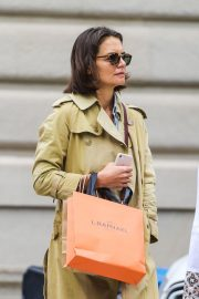Katie Holmes Out on Madison Avenue in New York 2018/09/24 3