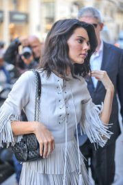 Kendall Jenner Arrives at Her Hotel in Paris 2018/09/11 2