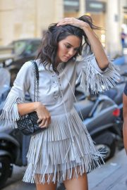 Kendall Jenner Arrives at Her Hotel in Paris 2018/09/11 10