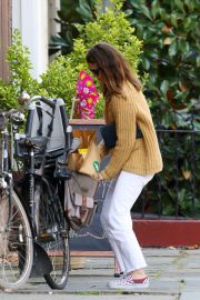 Keri Russell Riding a Bike Out in New York 2018/09/24 3