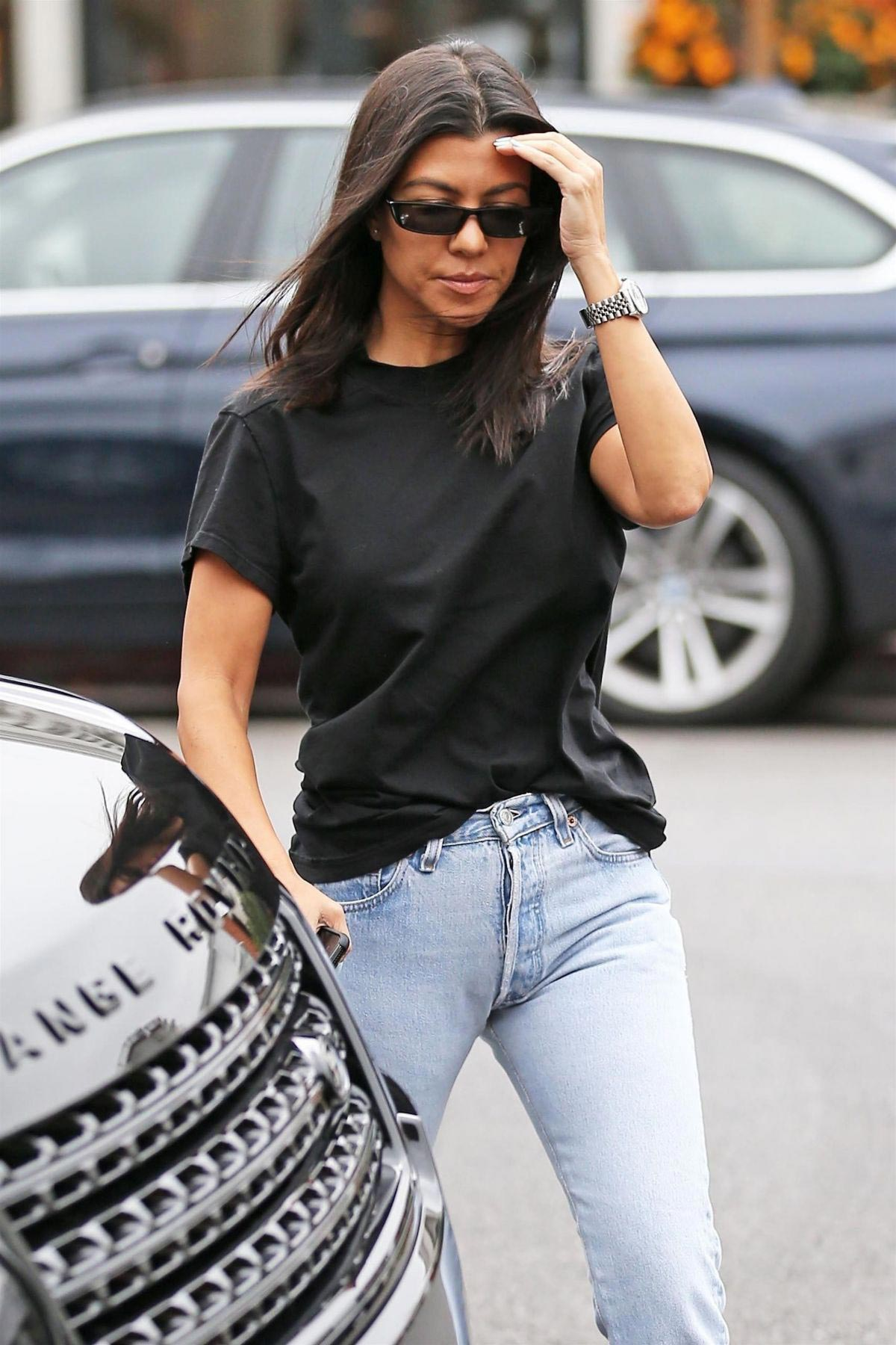 Kourtney Kardashian At Alfred S In West Hollywood 2018 09 25 375253