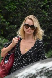 Margot Robbie Out in Los Angeles 2018/09/03 1