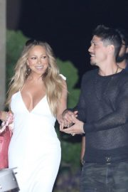 Mariah Carey Out for Dinner in Malibu 2018/08/29 1
