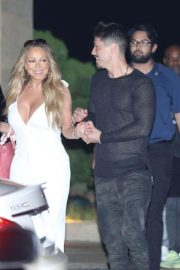 Mariah Carey Out for Dinner in Malibu 2018/08/29 3