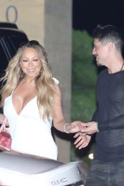 Mariah Carey Out for Dinner in Malibu 2018/08/29 4