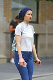 Mary Elizabeth Winstead Out and About in New York 2018/09/18 5
