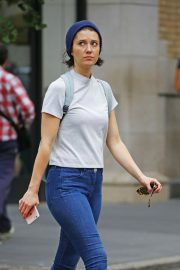 Mary Elizabeth Winstead Out and About in New York 2018/09/18 6