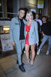 Megan Barton Arrives at Rosso Restaurant and Bar in Manchester 2018/09/13 2