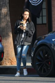 Mila Kunis Out for a Coffee in Los Angeles 2018/09/26 5