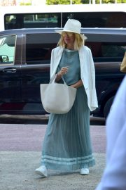 Naomi Watts Arrives at Airport in Venice 2018/08/28 10