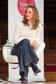 Natalie Portman in Conversation with Yuval Noah Harari at Central Hall Westminster in London 2018/09/27 7