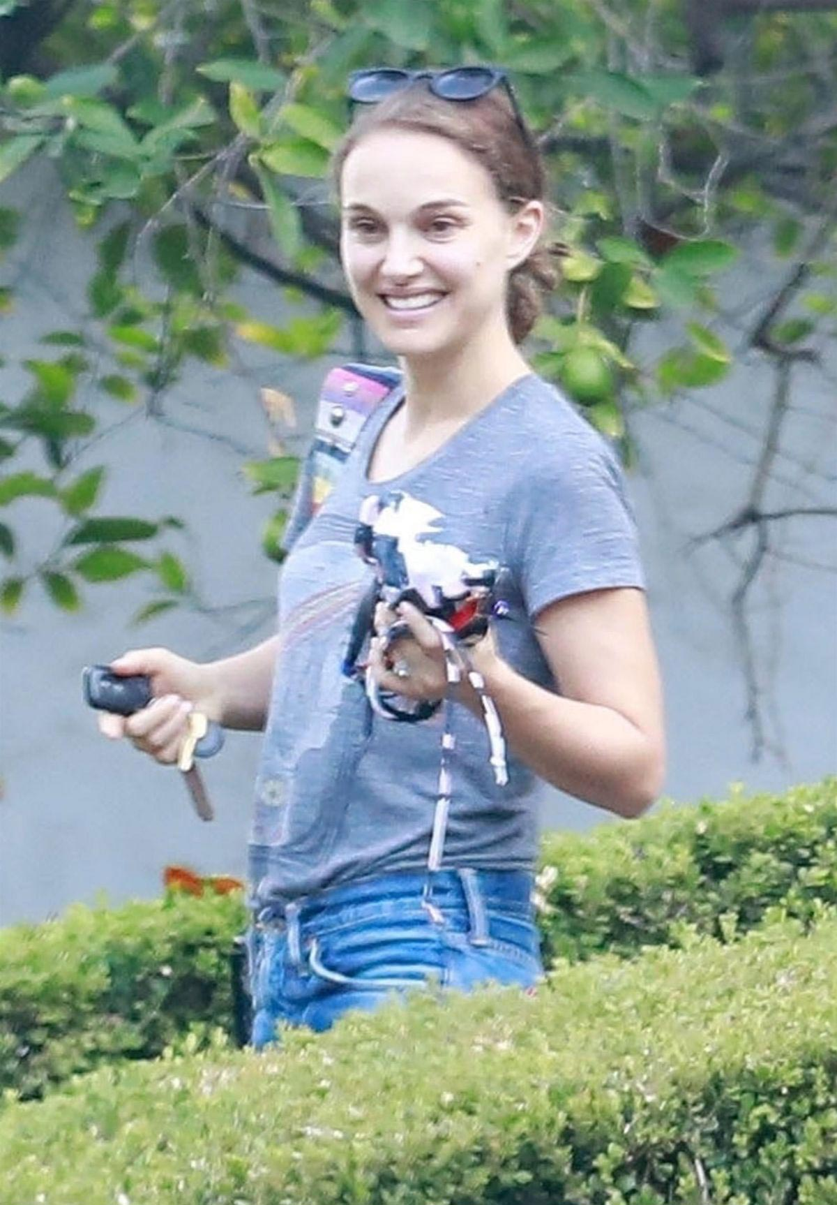 Natalie Portman Out and About in Los Feliz 2018/09/10 1