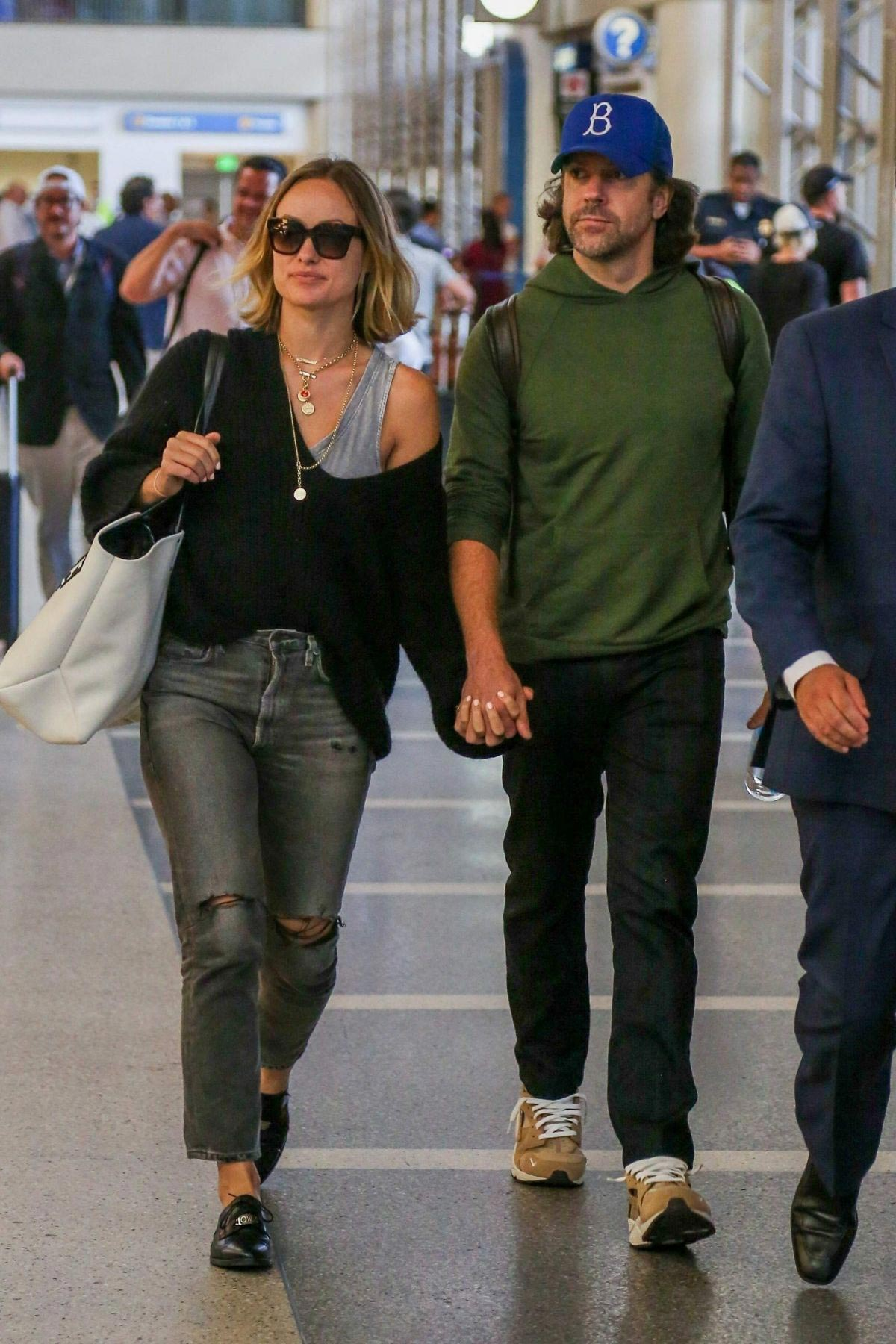 Olivia Wilde and Jason Sudekis at LAX Airport in Los Angeles 2018/09/27 1