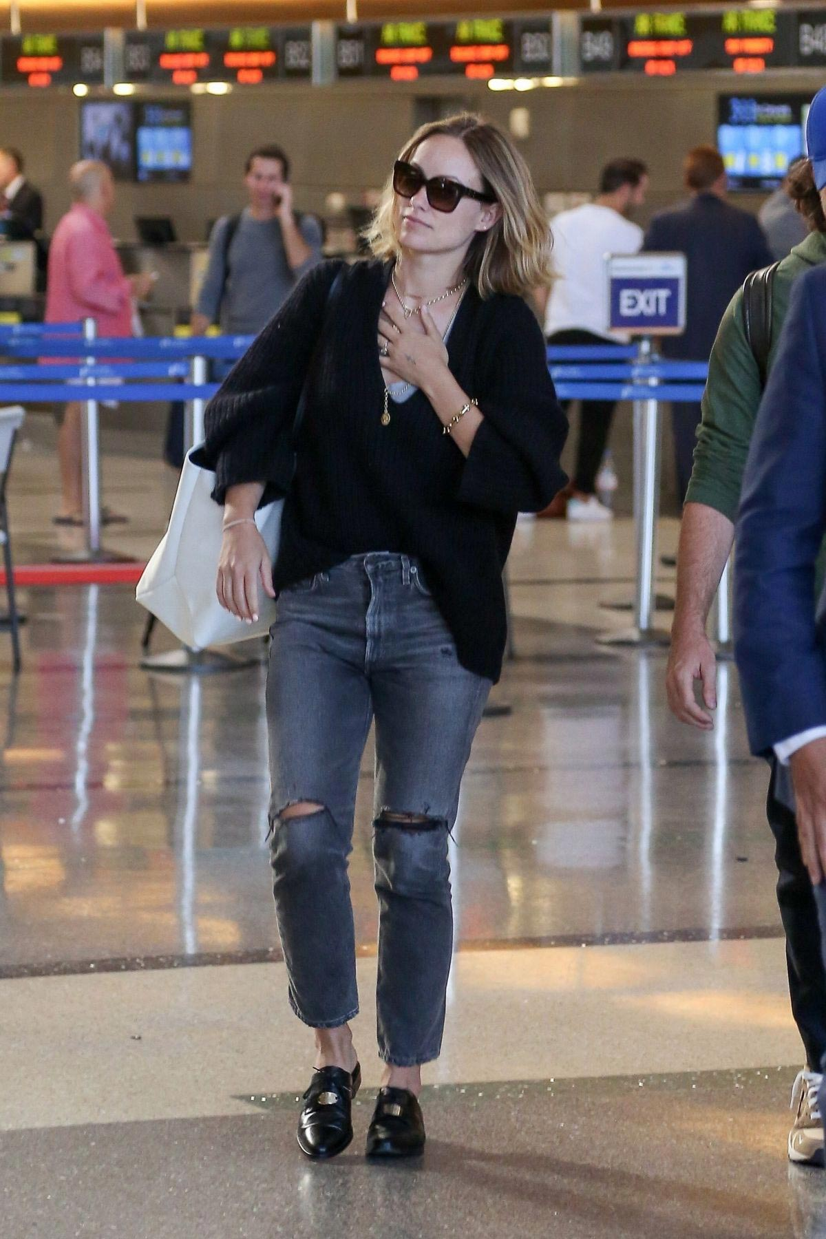 Olivia Wilde at LAX Airport in Los Angeles 2018/09/27 1