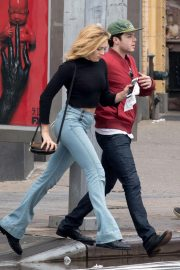 Peyton List in Tight Denim Out in New York 2018/09/11 4