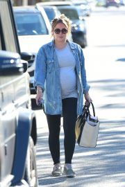 Pregnant Hilary Duff Leaves a Gym in Studio City 2018/08/30 16