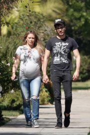 Pregnant Hilary Duff Out in Los Angeles 2018/09/28 3