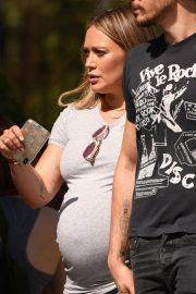 Pregnant Hilary Duff Out in Los Angeles 2018/09/28 5