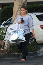 Pregnant Hilary Duff Out Shopping in Beverly Hills 2018/09/24 10