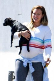 Pregnant Hilary Duff Out with Her Dog in Studio City 2018/09/13 2