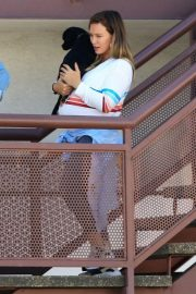 Pregnant Hilary Duff Out with Her Dog in Studio City 2018/09/13 7