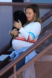 Pregnant Hilary Duff Out with Her Dog in Studio City 2018/09/13 10