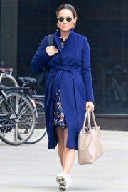 Pregnant Pippa Middleton Leaves a Gym in London 2018/09/25 1