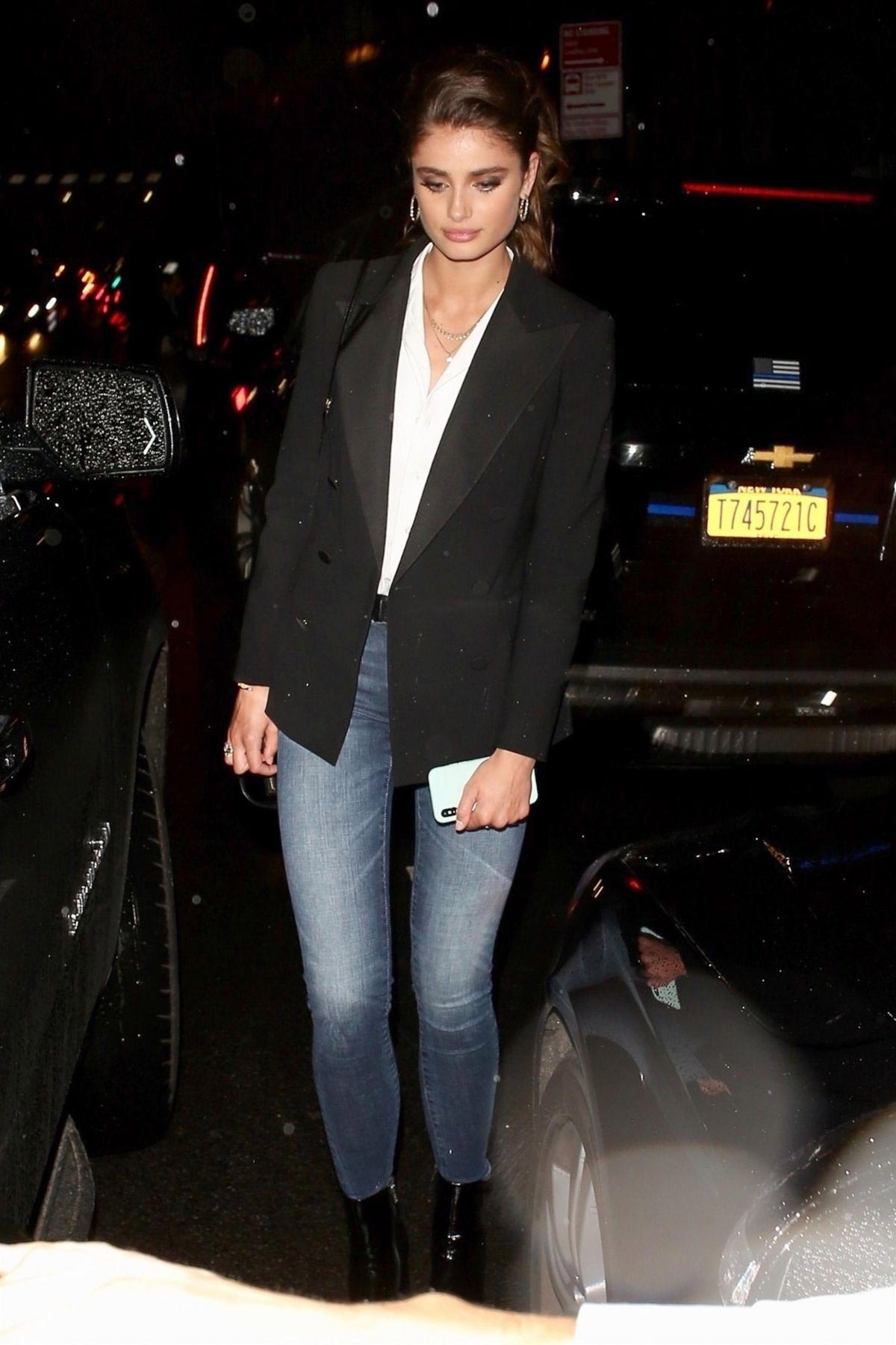 Taylor Hill Night Out in New York 2018/09/09 1