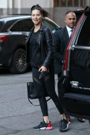 Adriana Lima Arrives at Her Hotel in New York 2018/10/12 1