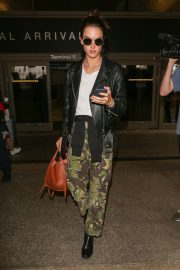 Alessandra Ambrosio at LAX Airport in Los Angeles 2018/10/03 1