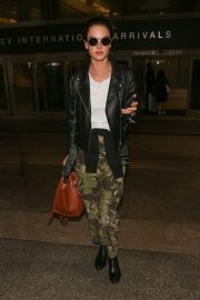 Alessandra Ambrosio at LAX Airport in Los Angeles 2018/10/03 4